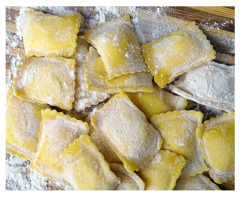 Pasta fresca ravioli